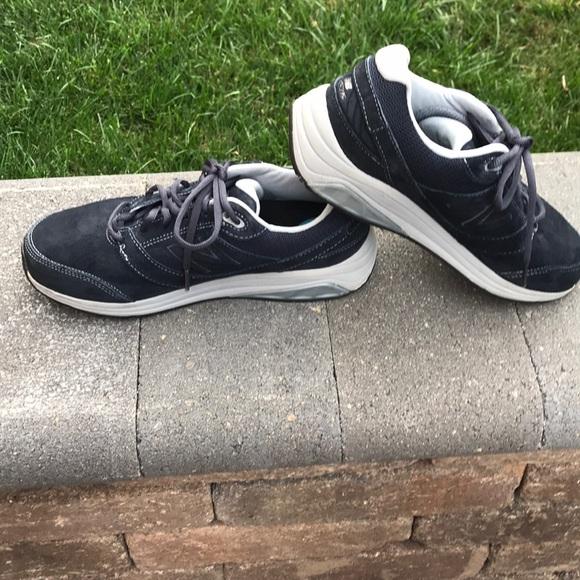 Womens 928v2 Walking Shoe